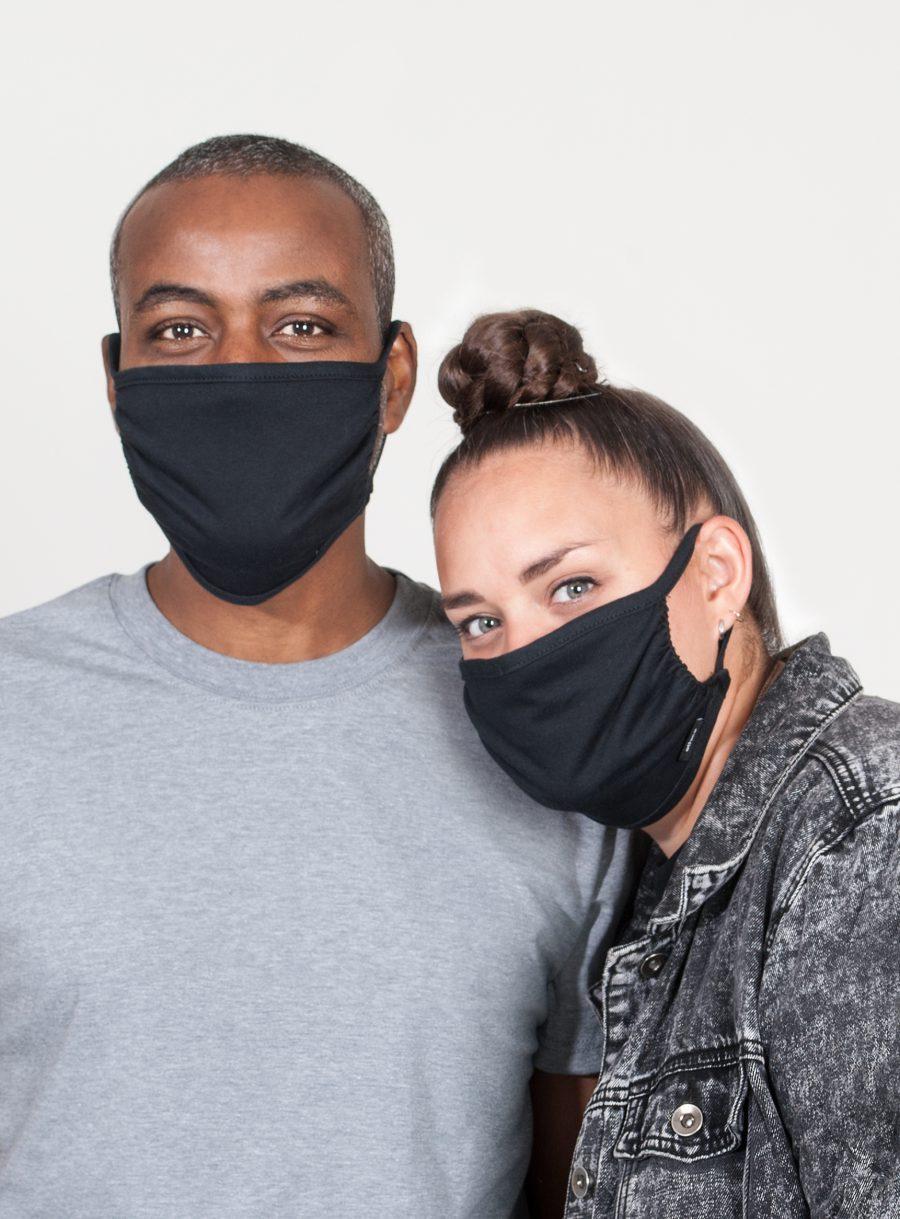 Set of 2 black masks