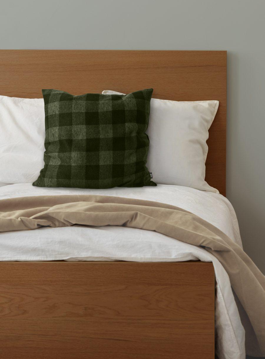 Plaid square cushion
